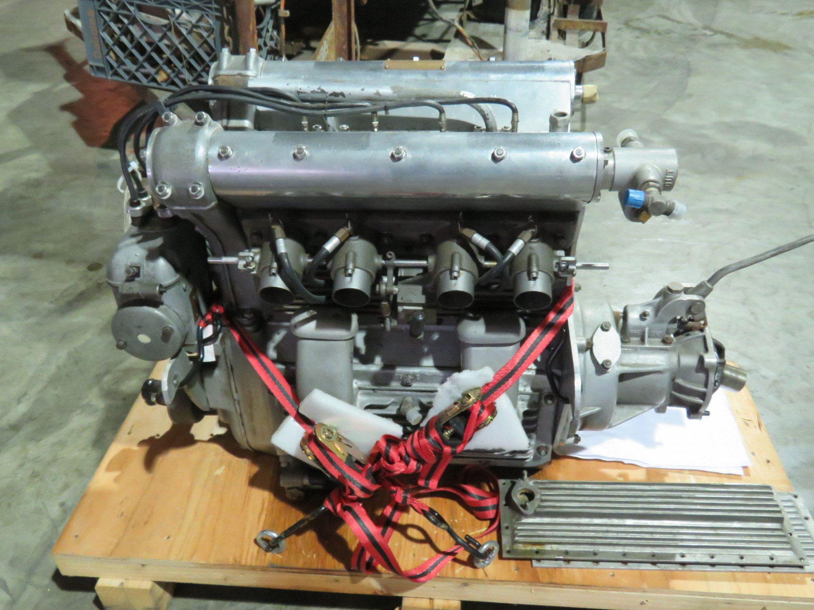 Offenhauser Dual OHC Motor