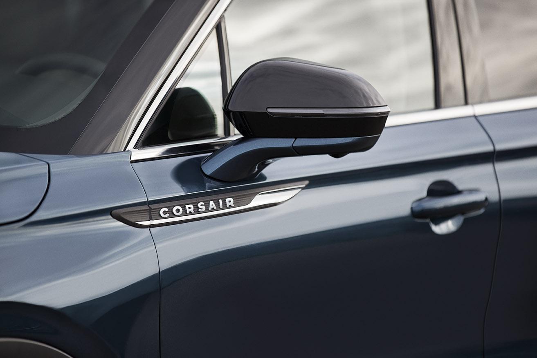 2020 Lincoln Corsair badge detail