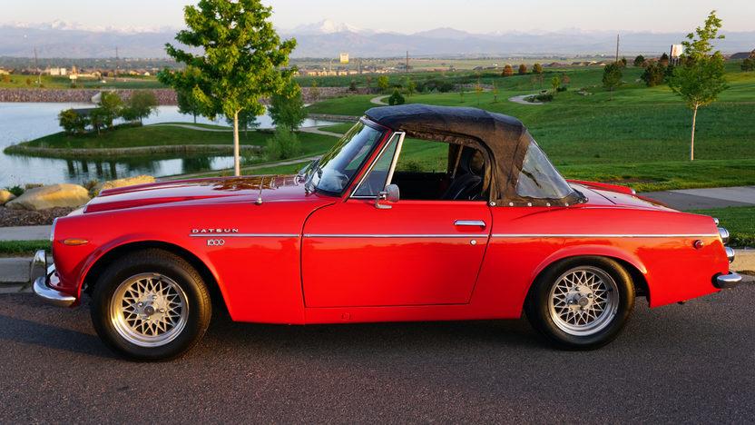 1969 Datsun 1600 side profile