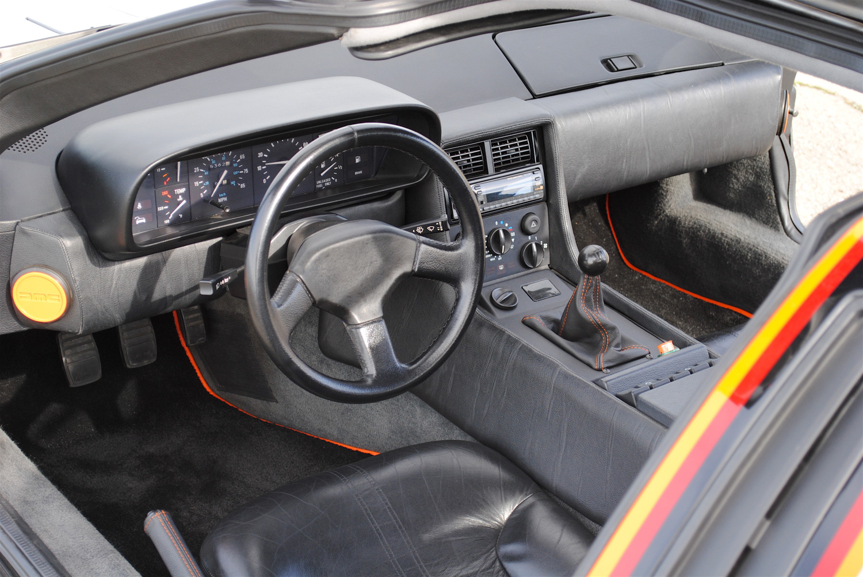 1981 DeLorean DMC-12 interior dash