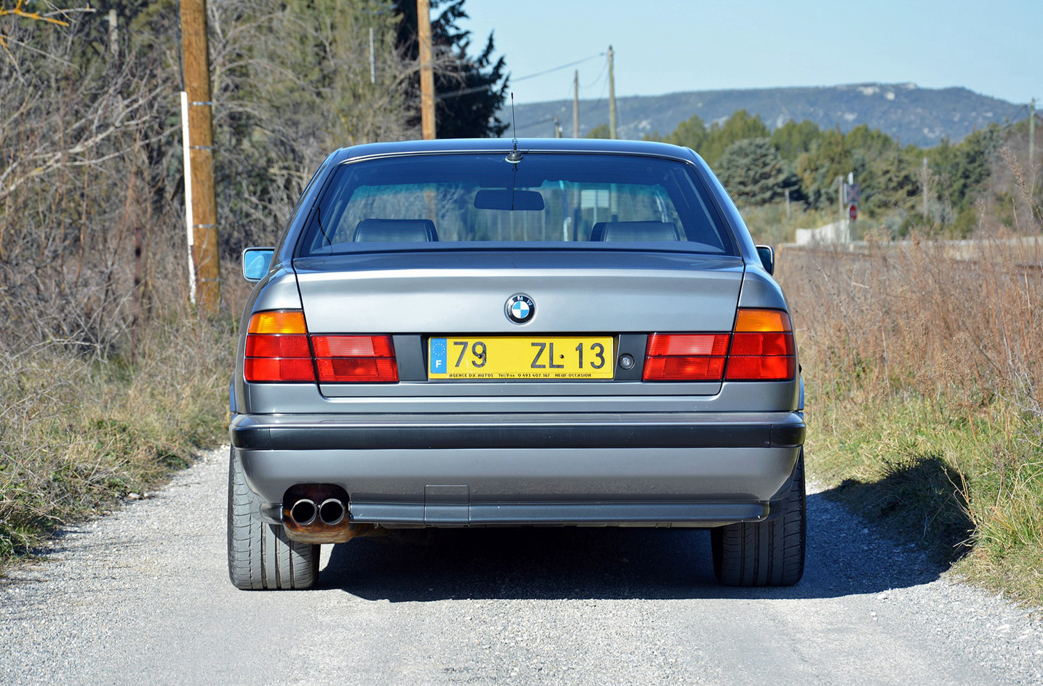 BMW M5 (E34) rear end