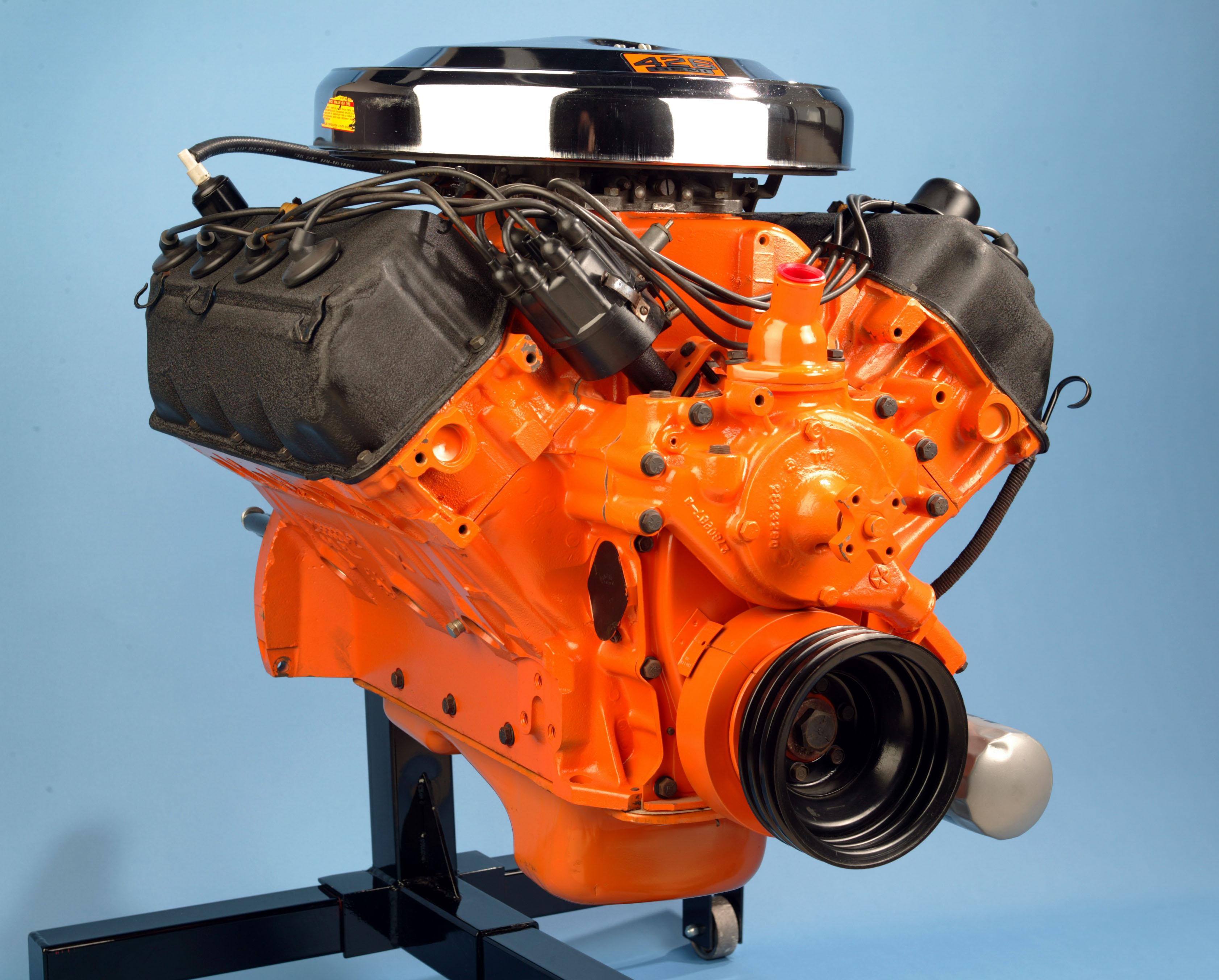 426 HEMI engine v8