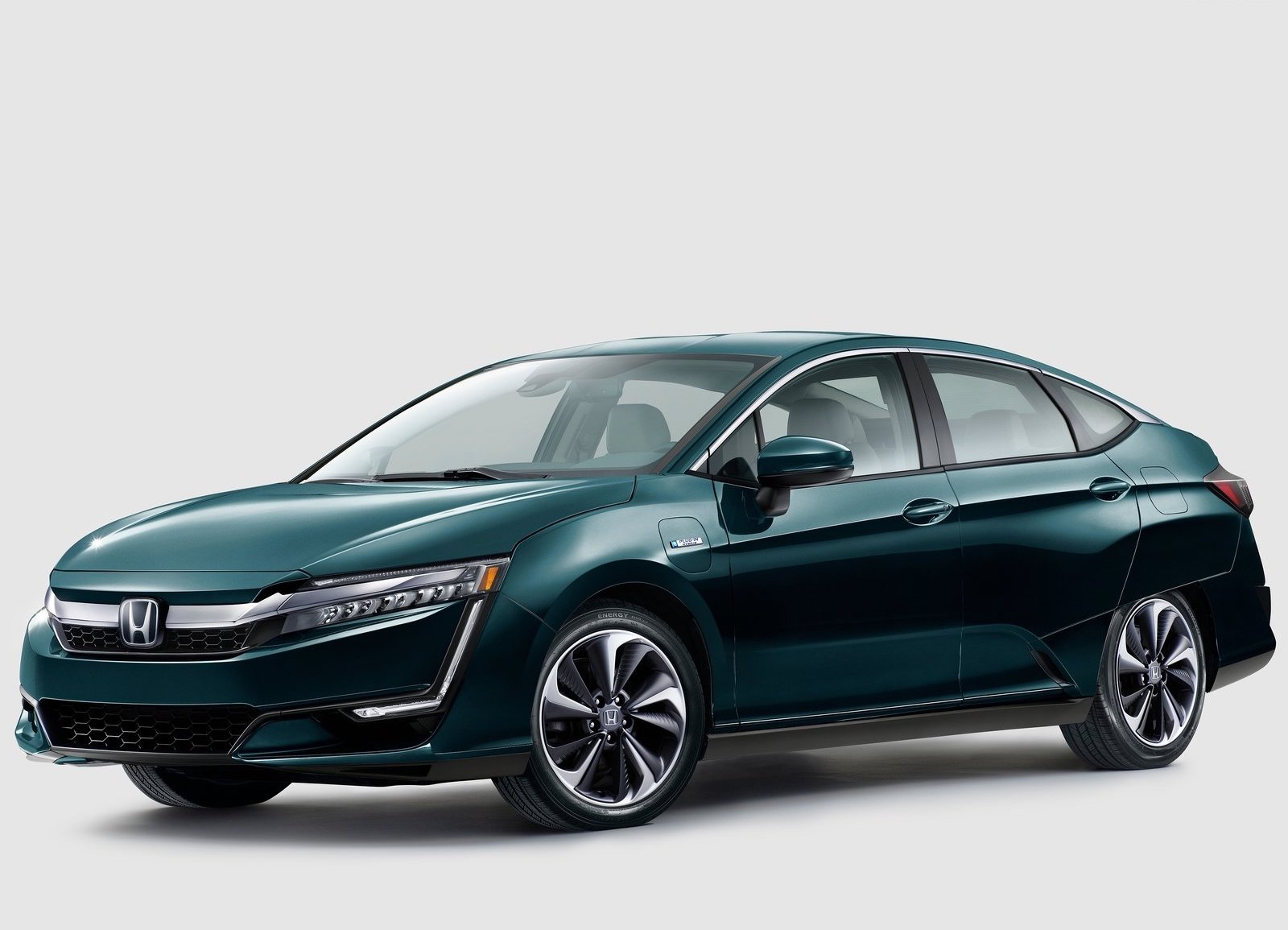 2018 Honda Clarity Plug In Hybrid 3/4 front