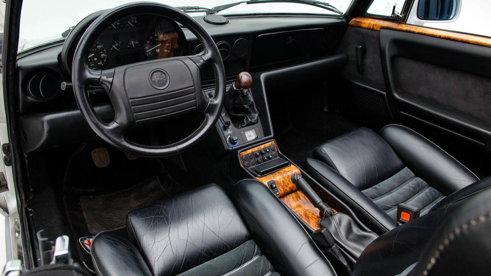 1991 Alfa Romeo Spider interior