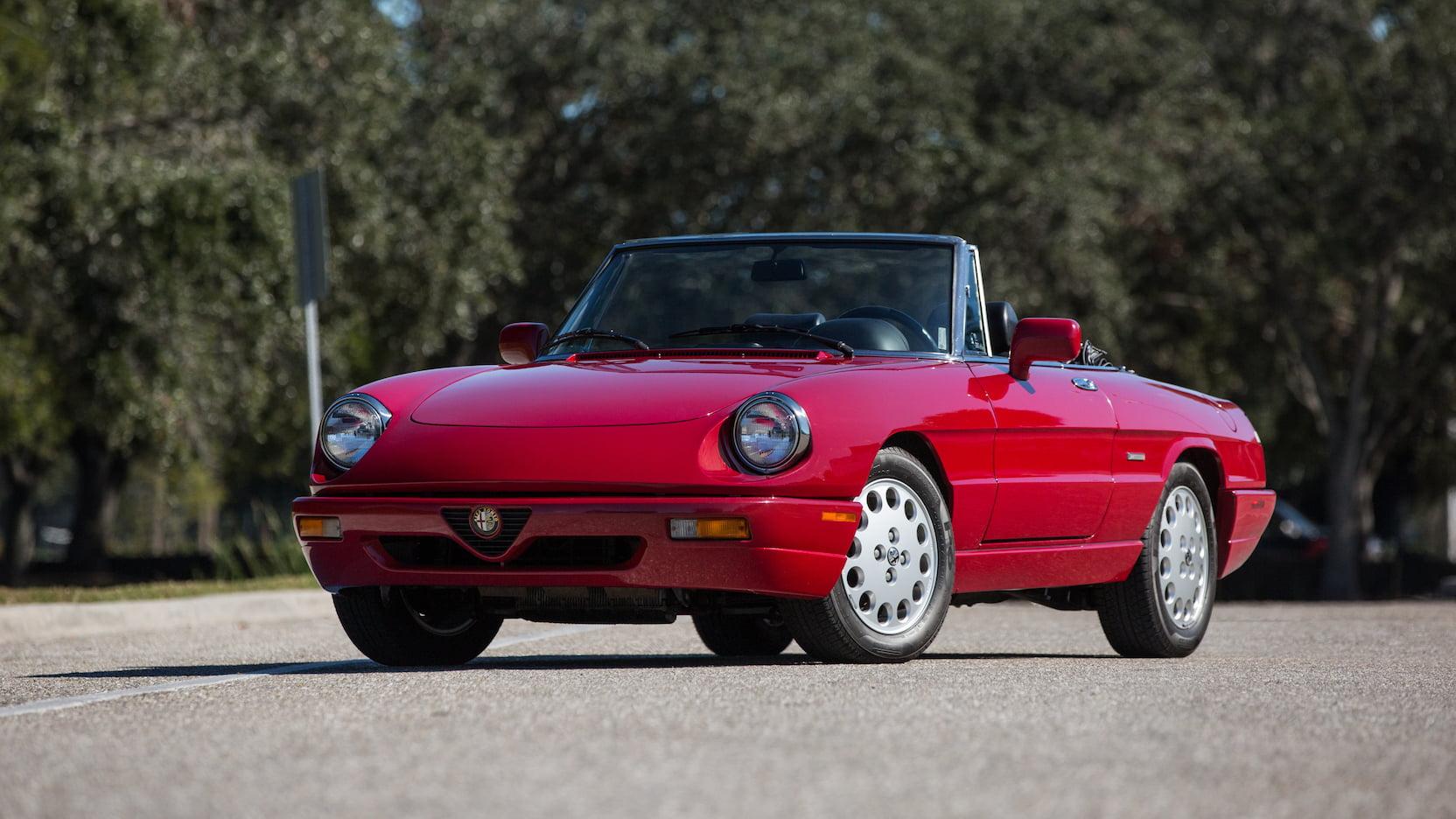 1992 Alfa Romeo Spider front 3/4