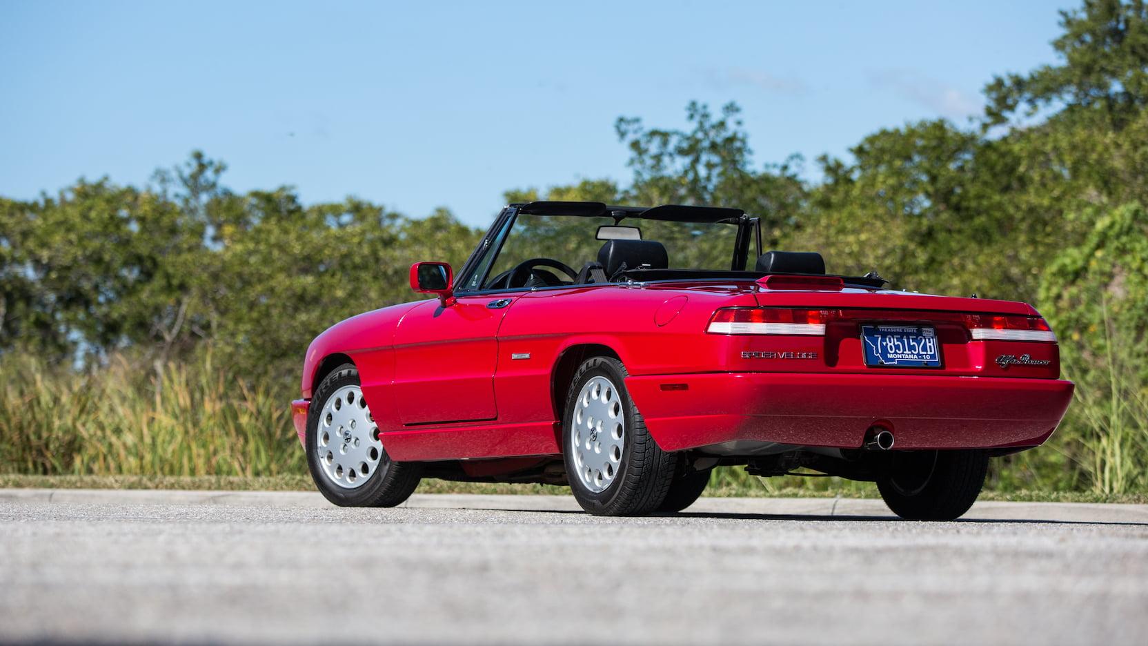 1992 Alfa Romeo Spider rear 3/4