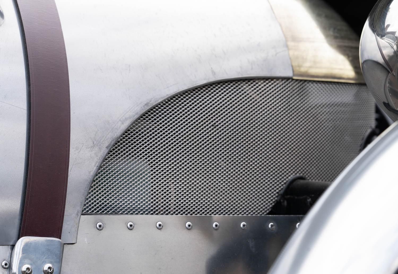 Pembleton V-Sport hood and grille