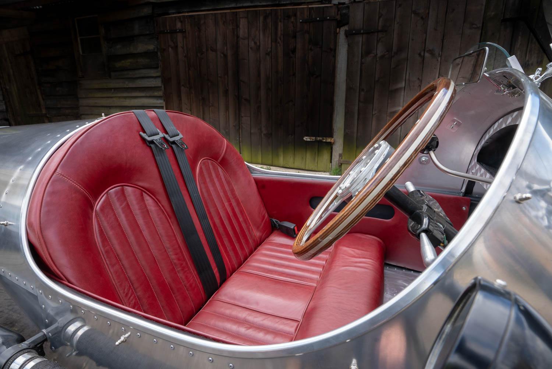 Pembleton V-Sport seat detail