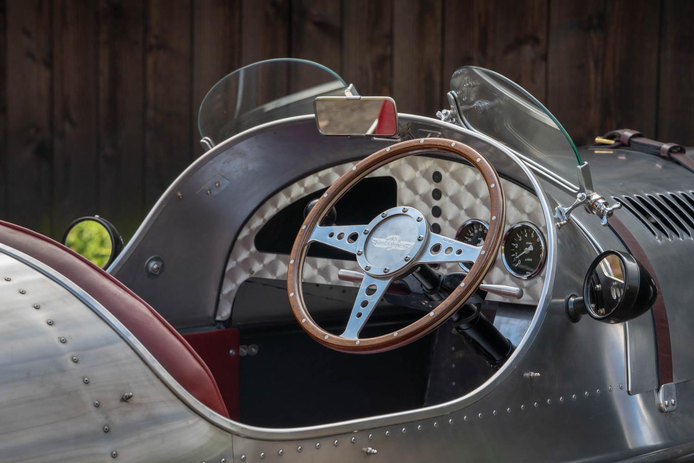 Pembleton V-Sport steering wheel