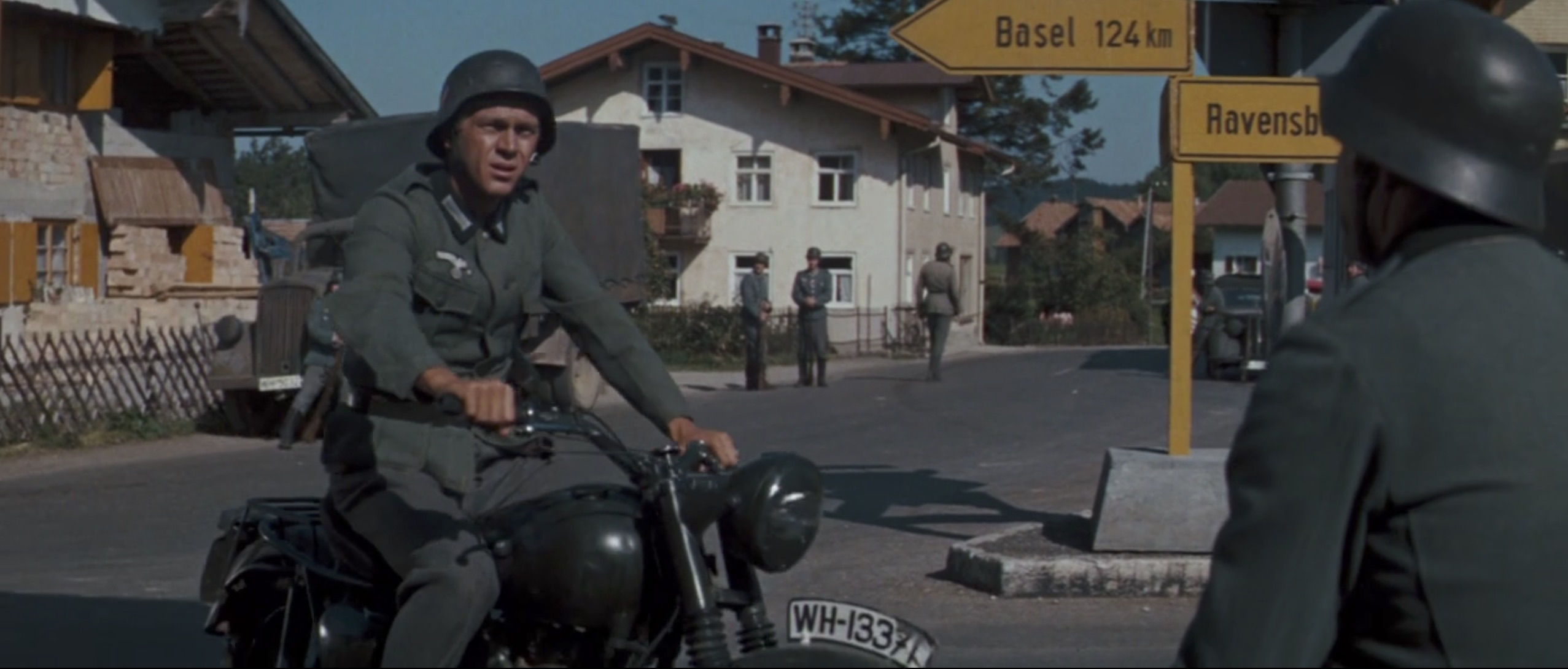 The Great Escape steve mcqueen disguise