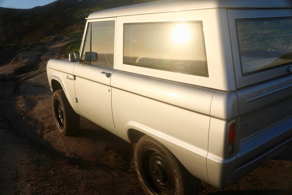 Zero Labs Bronco rear 3/4