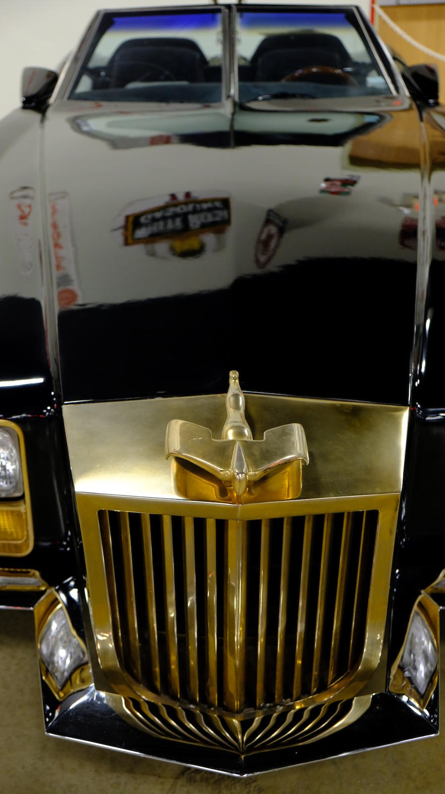 """1982 George Barris """"Barrister"""" nose"""
