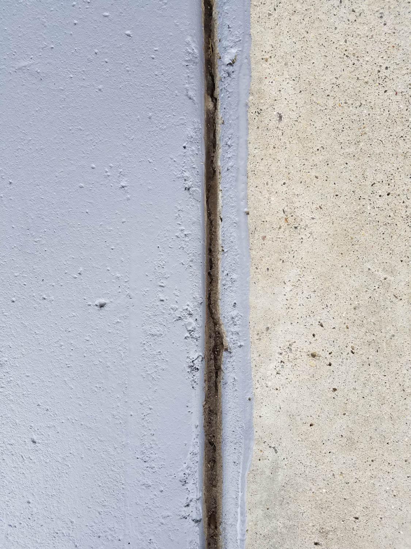 paint the floor cracks