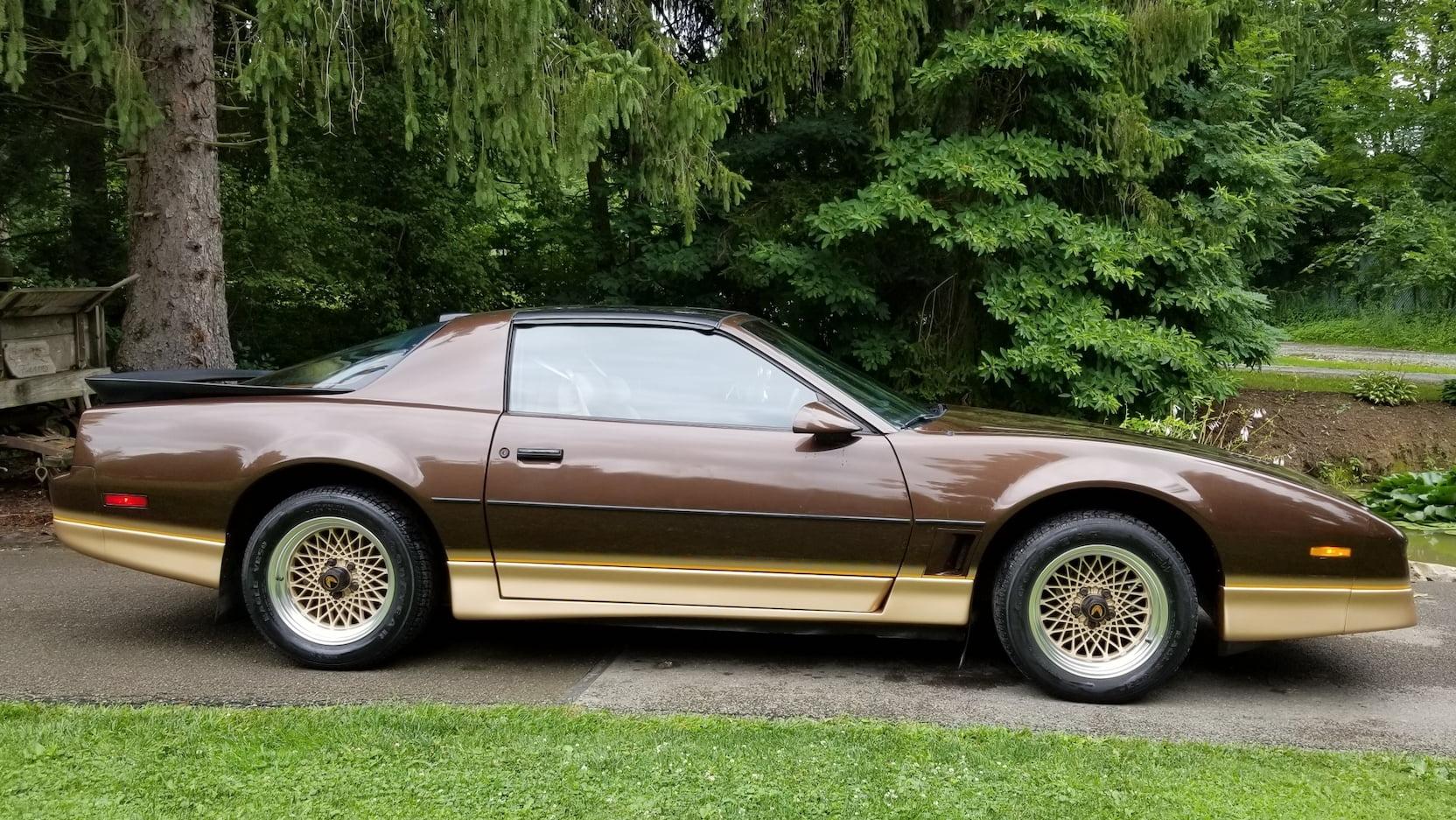 1986 Pontiac Trans Am profile
