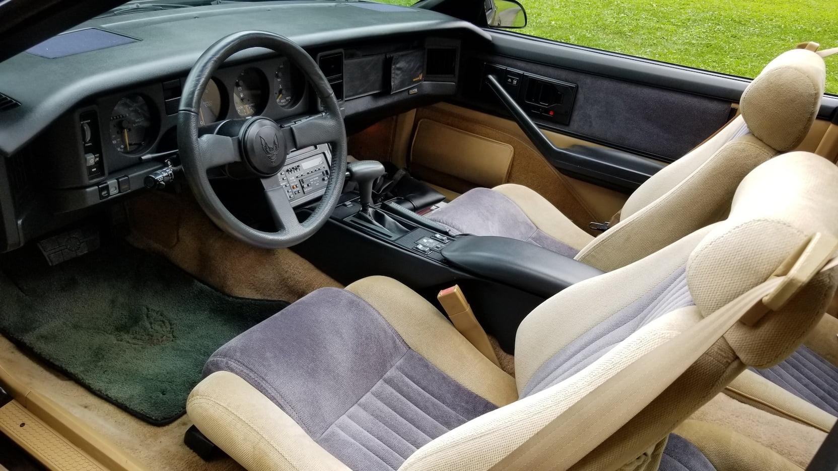 1986 Pontiac Trans Am interior