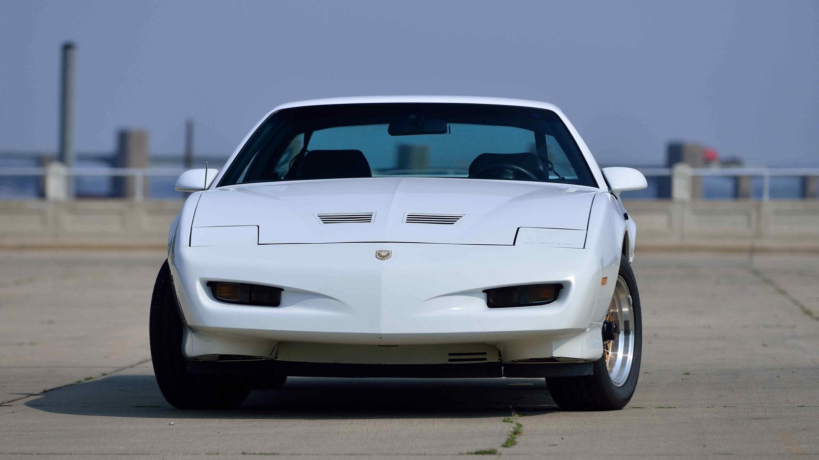 1991 Pontiac Trans Am nose