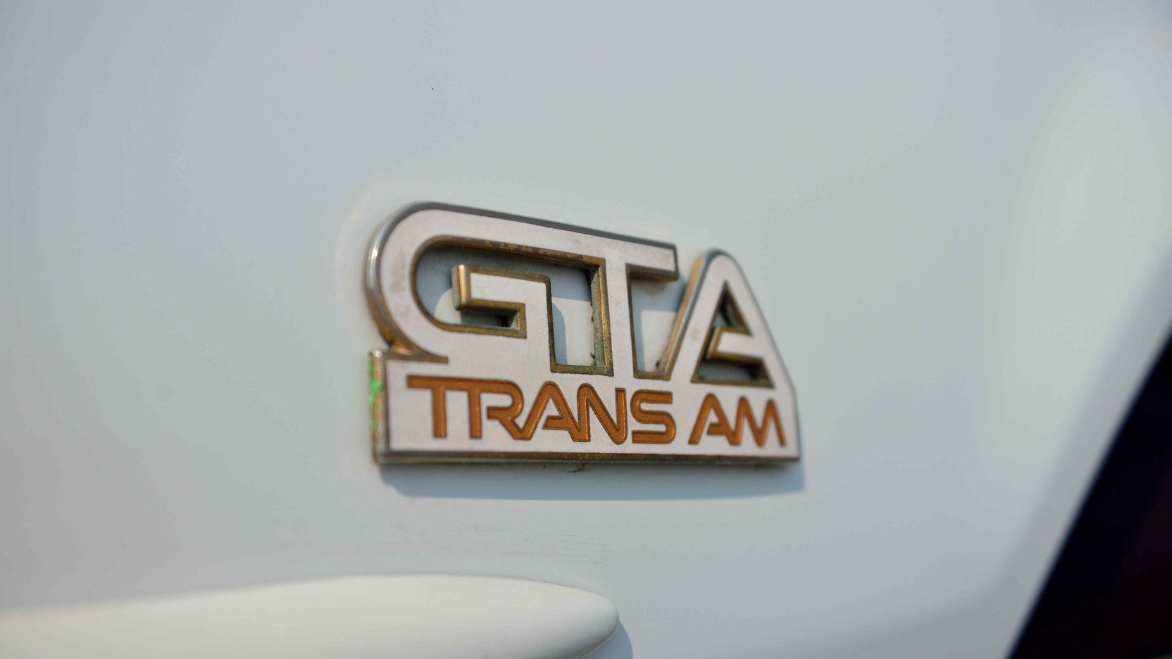 1991 Pontiac Trans Am badge