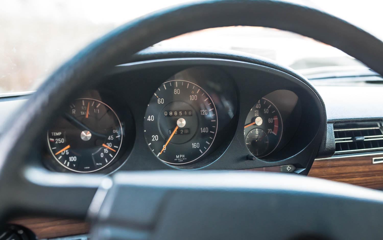 1974 Mercedes-Benz 450SEL gauges