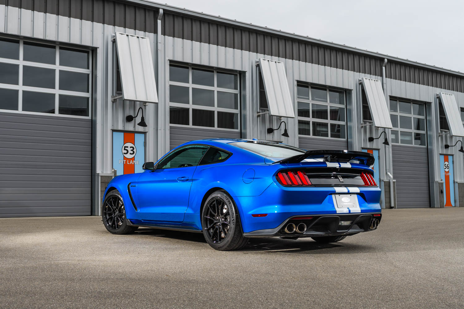 2019 Ford Mustang Shelby GT350 rear 3/4