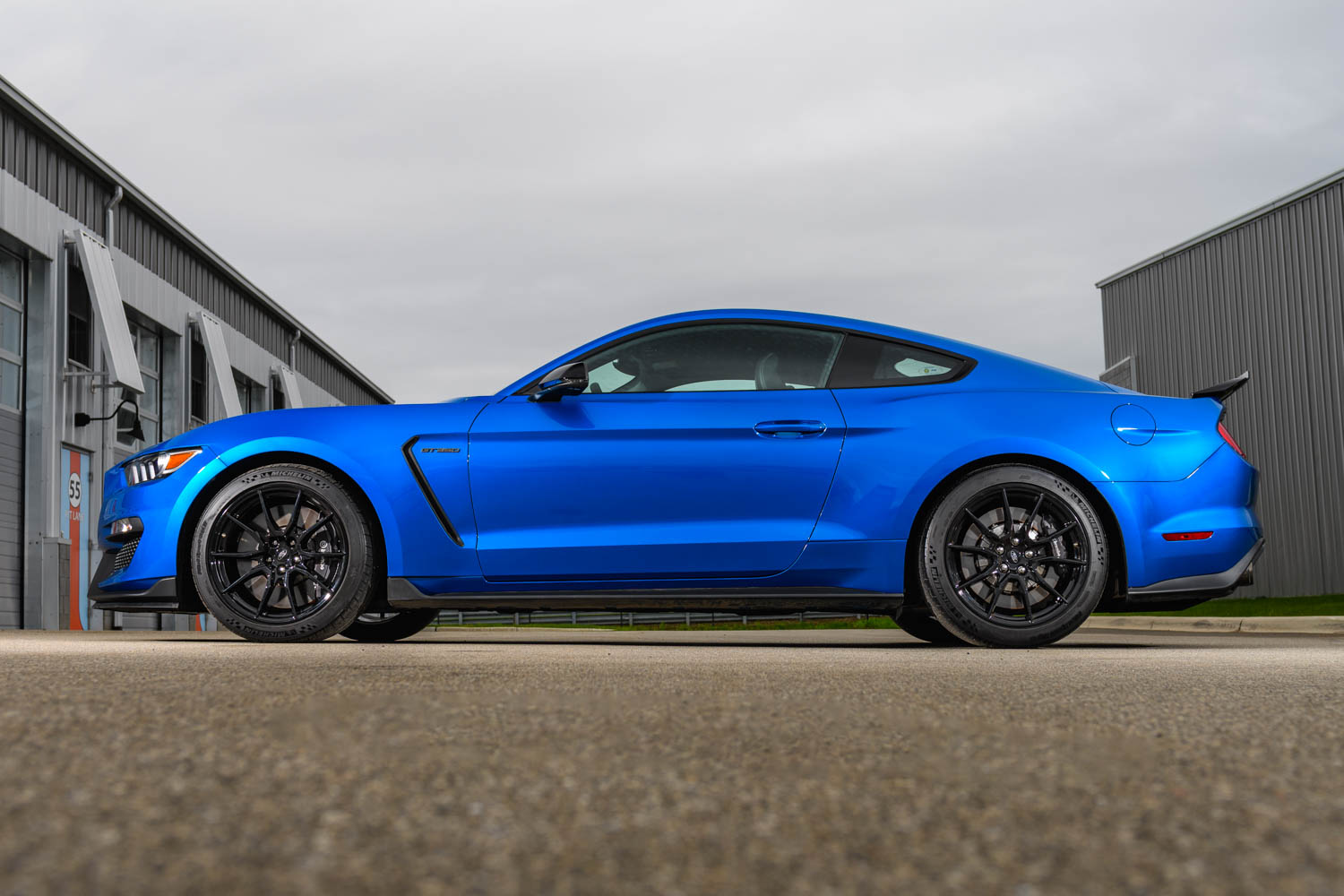 2019 Ford Mustang Shelby GT350 profile