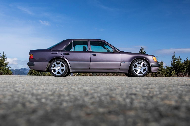 Mercedes-Benz 500E profile