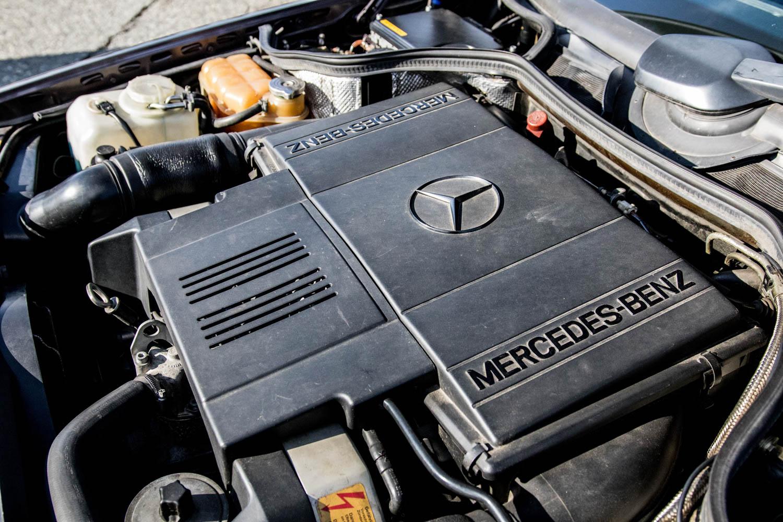 Mercedes-Benz 500E engine
