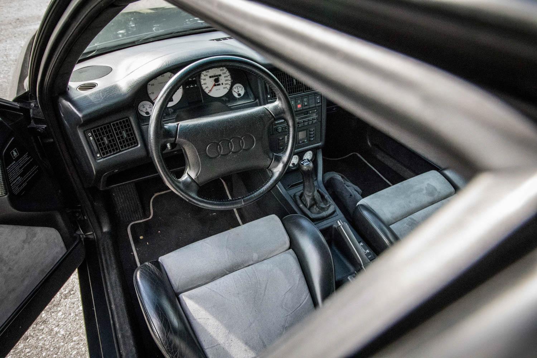 Audi RS2 interior