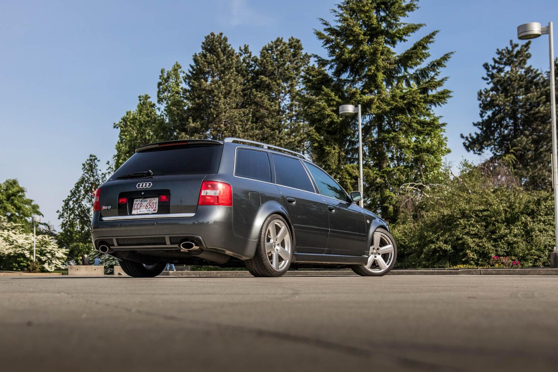 Audi RS6 Avant rear 3/4