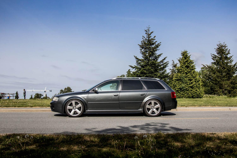 Audi RS6 Avant side profile