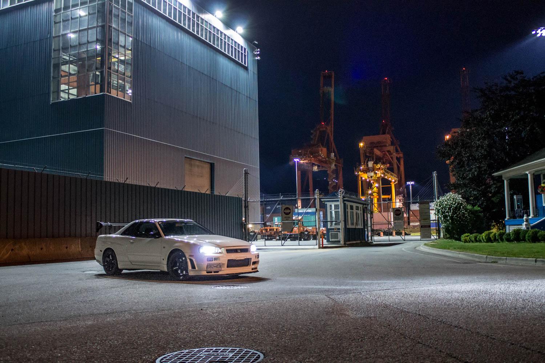Nissan Skyline R34 GT-R at night