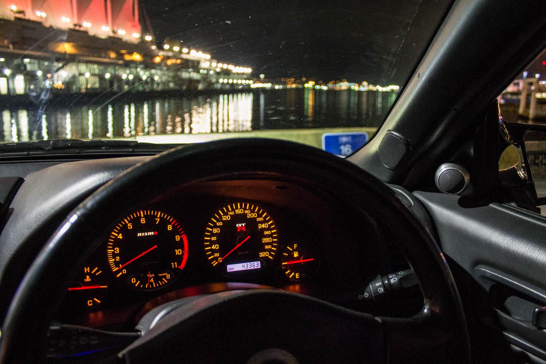 Nissan Skyline R34 GT-R gauges