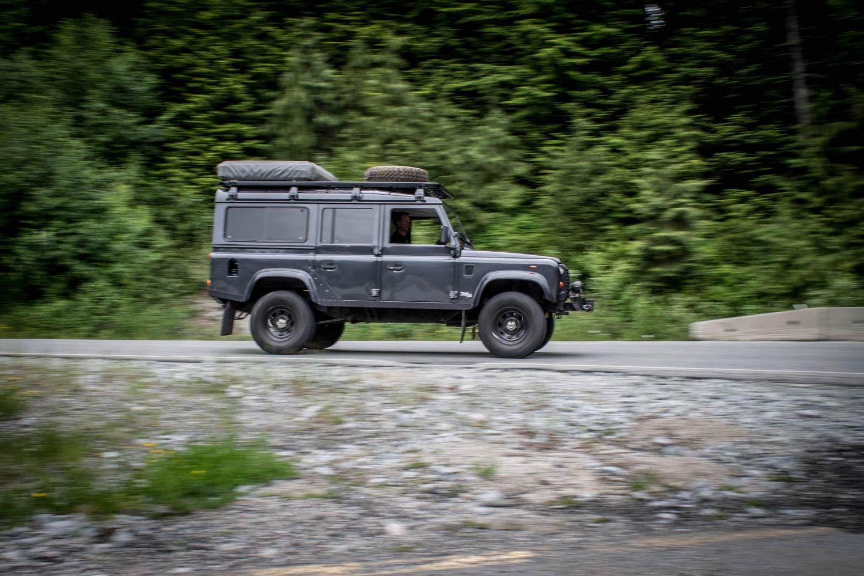 Land Rover Defender 110 TD5 side profile