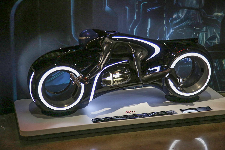 Hollywood Dream Machines tron lite bike