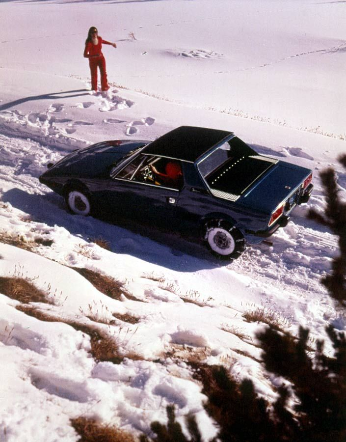 Fiat X1/9 in the snow