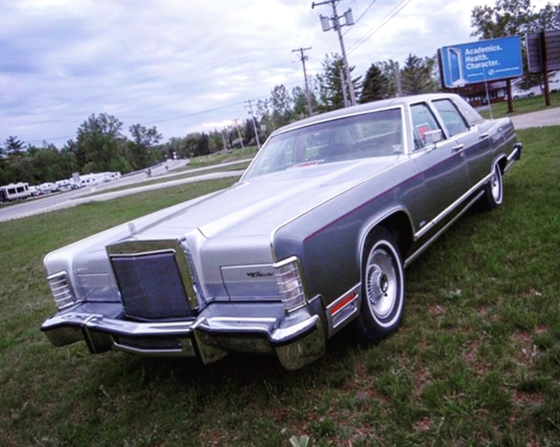 1979 Lincoln Continental Williamsburg Edition front 3/4