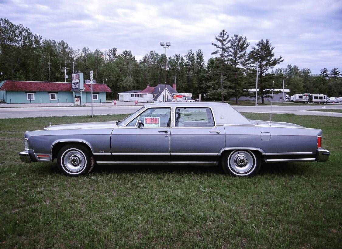 1979 Lincoln Continental Williamsburg Edition profile