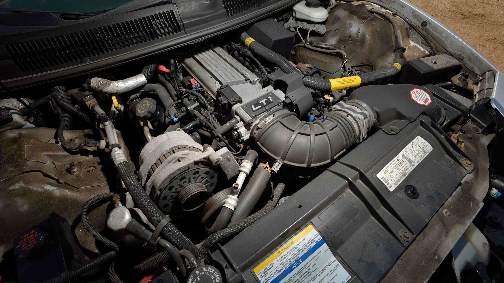 1997 Pontiac Firebird engine