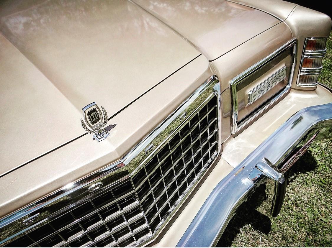 Ford LTD Landau nose