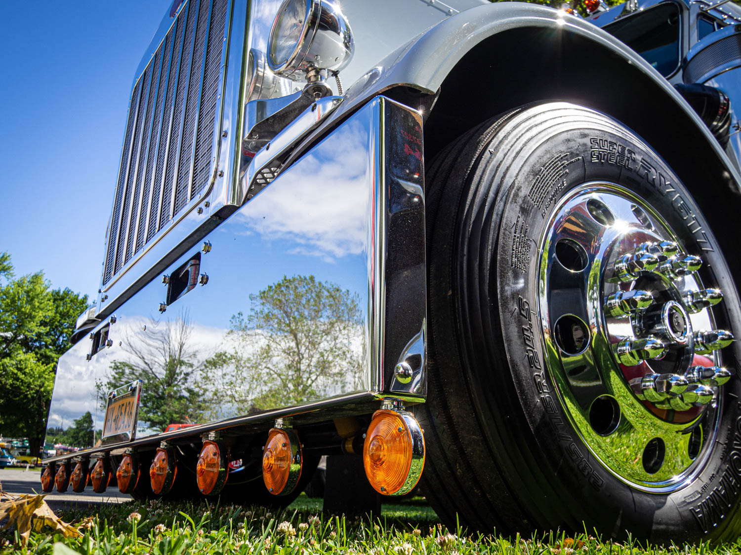 This 1986 Peterbilt 359 was chromed from stem to stern.