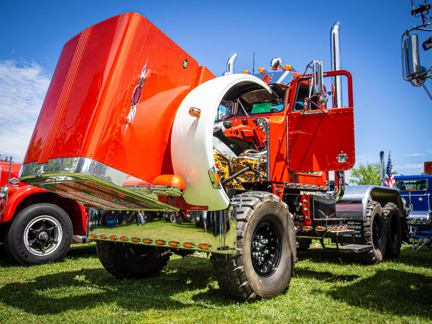 This 1982 Peterbilt 354 was a killer take on the big-rig theme, with three fat pumpkins putting power to all three axles, mega off-road tires, and a spotless engine bay.
