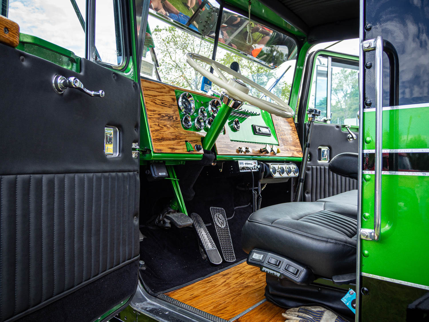 Bentley's veneer game is weak sauce compared to the oak woodwork throughout this 1974 Kenworth 900A.