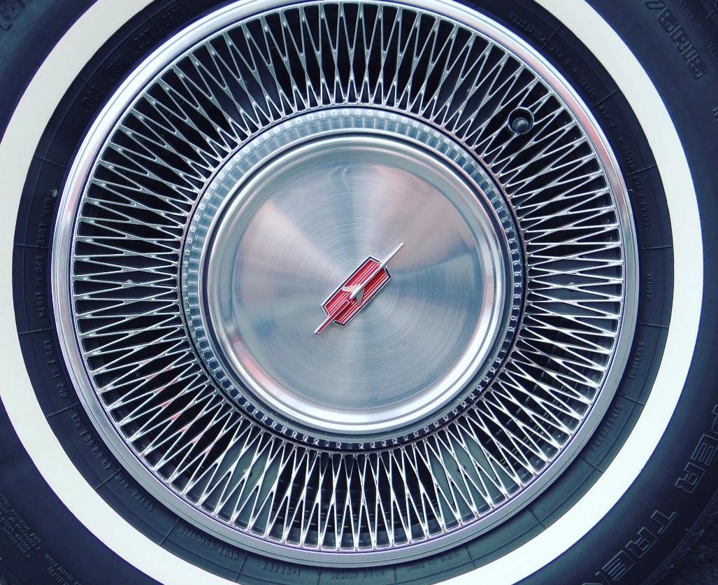 Delta 88 wheel detail