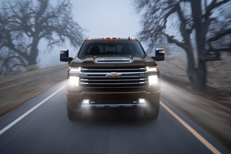2020 Chevrolet Silverado 2500HD lights on front