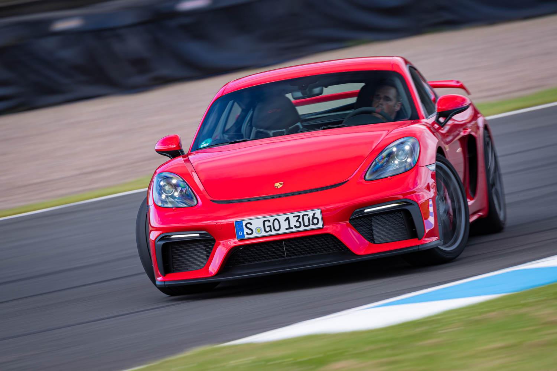 Porsche 718 Cayman GT4 drift