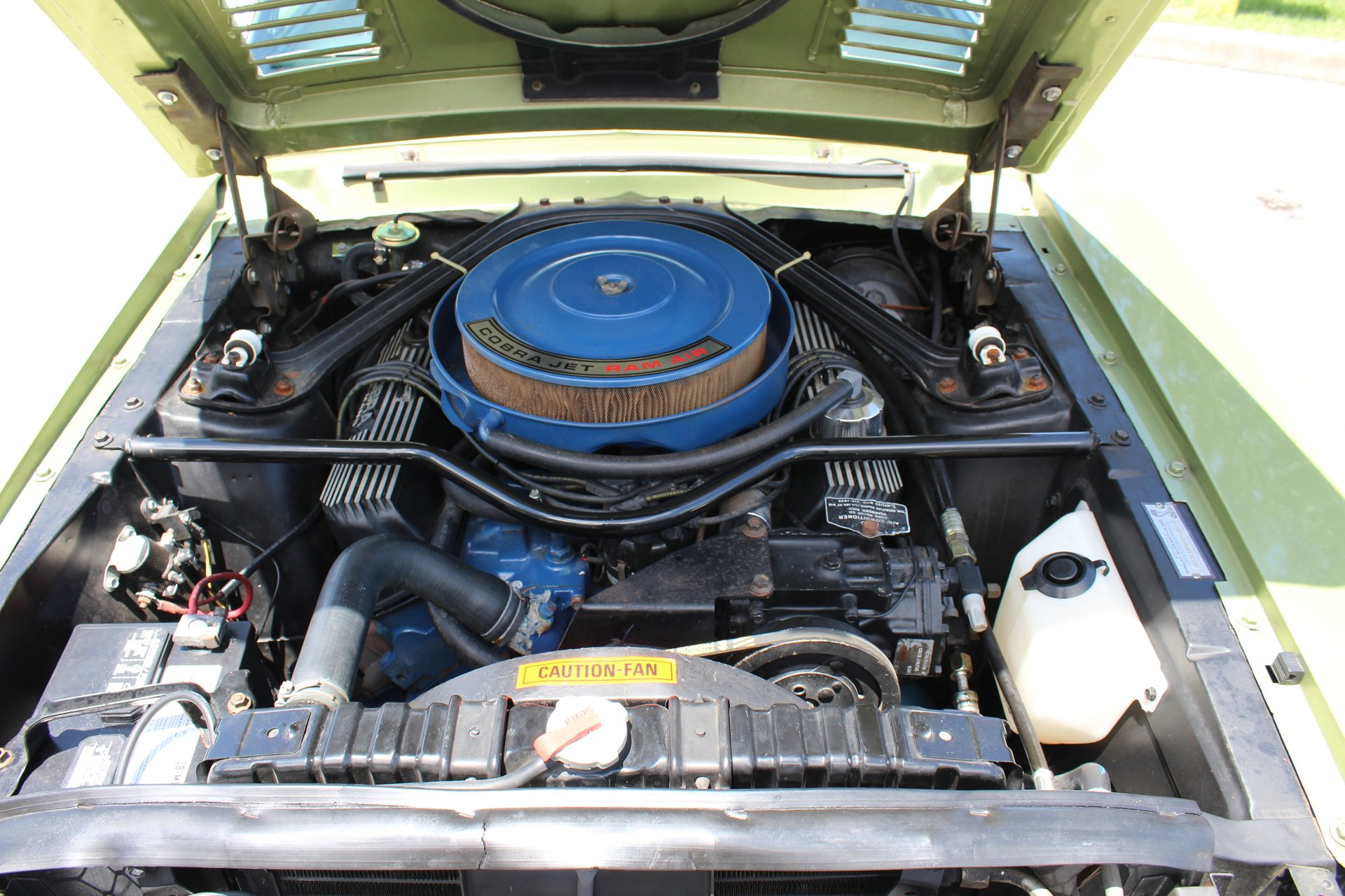 1968 Shelby GT500KR clean engine