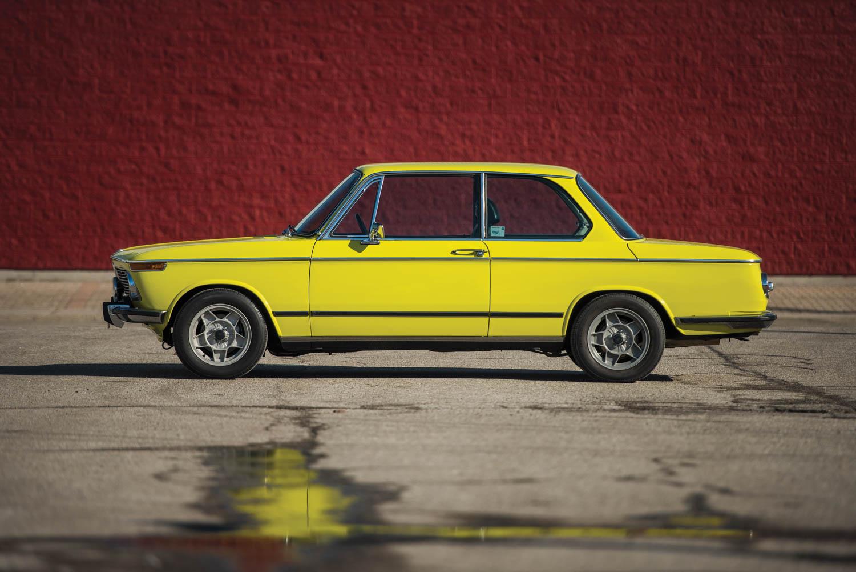 1972 BMW 2002 profile