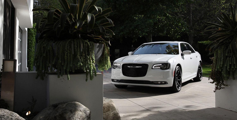 Chrysler 300 four-wheel-drive