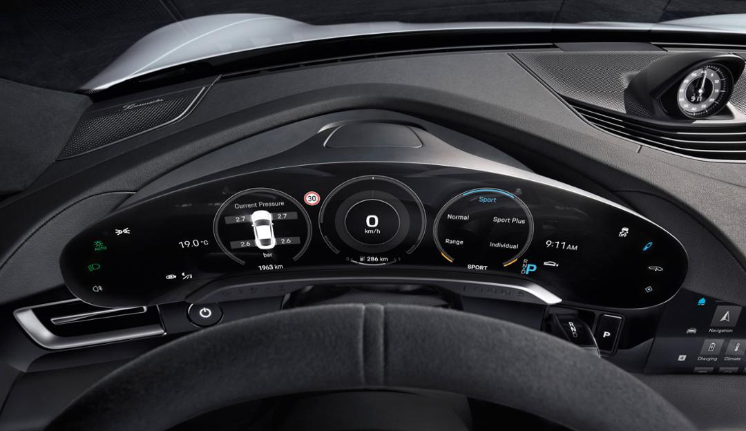 Porsche Taycan gauges