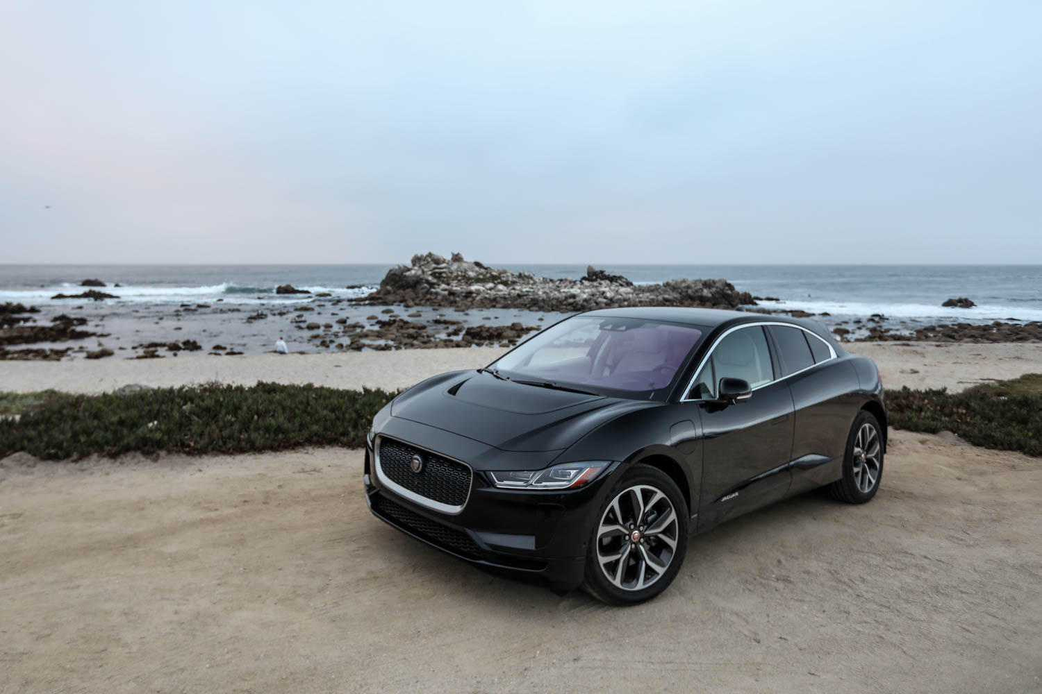 I-Pace front wide angle