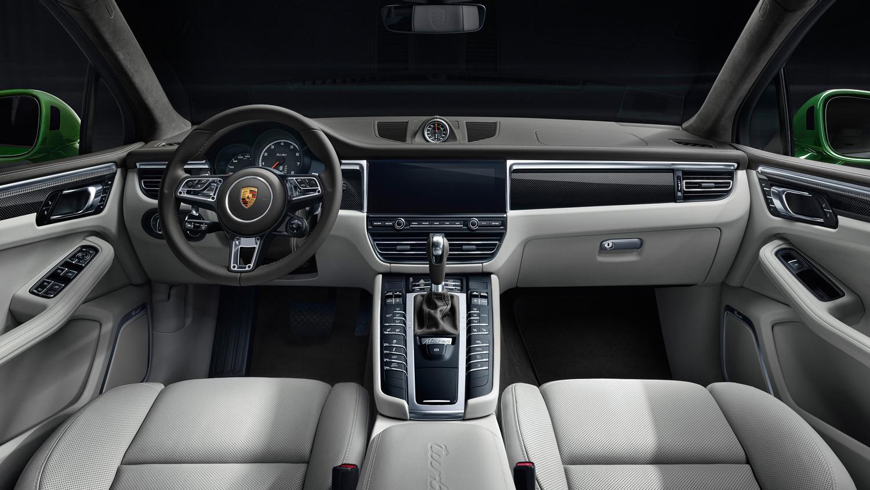 2020 Porsche Macan Turbo interior